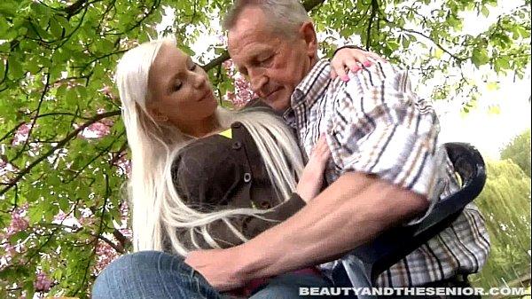 Красивые зрелые возрасте женщины раком порно фотки