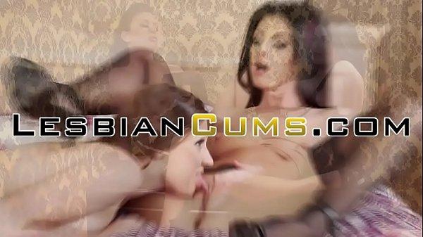 Порно пустили на троих