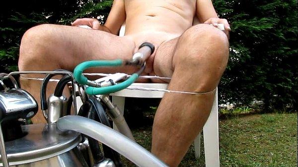 Фото и видео доения пениса, домашний секс в втроем