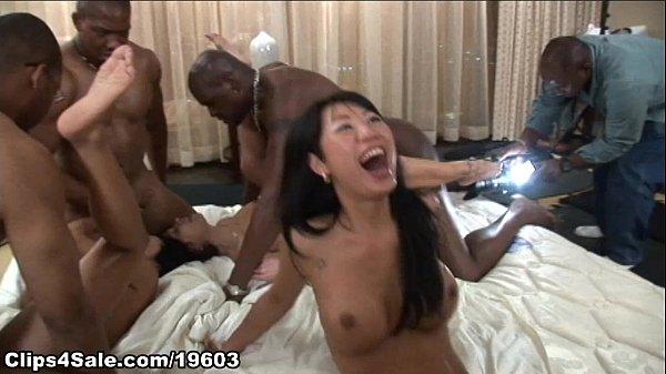 Orgie Sexuala In Vegas Cu Tarfe Asiatice Regulate De Negri Dotati