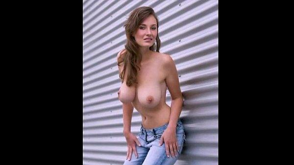 Молодые сучьки с кривыми ногами порно фото