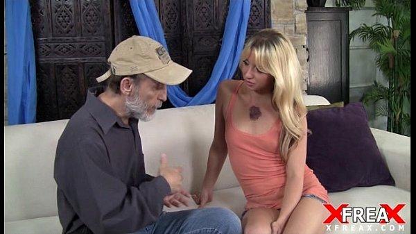Российская порно госпожа с семейной парой