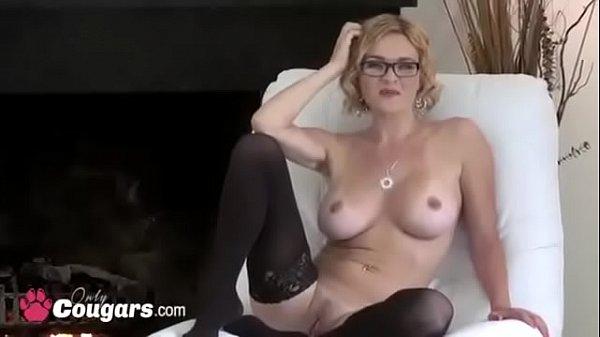 Порно блондинка в трусиках