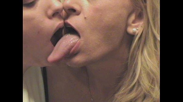 Порно мама любит когда сын её трахает в попу