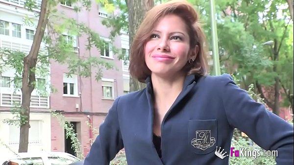 Elisa la secretaria milf se estrena en el porno