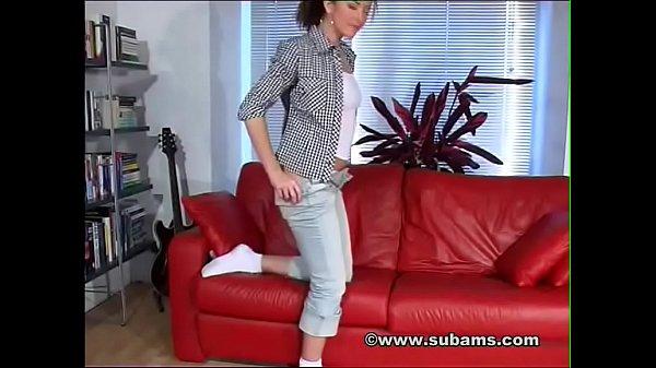 Suburban Amateurs: Elen Cole Hot British MILF Orgasm