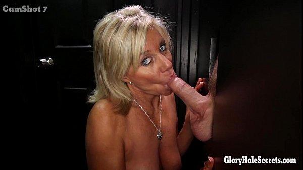 Mature lady at the gloryhole