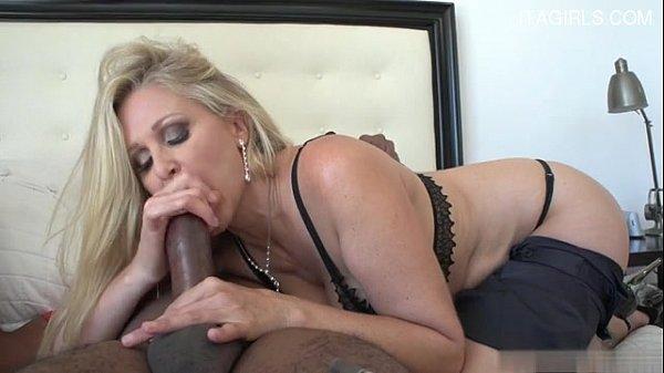 Джулия анн групповой секс