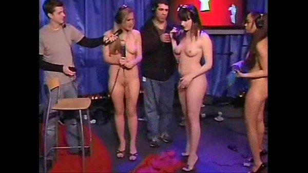 Смотреть жестокое порно заставили сасать