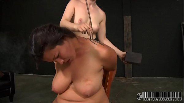 Беременная дочка и ее мама порно