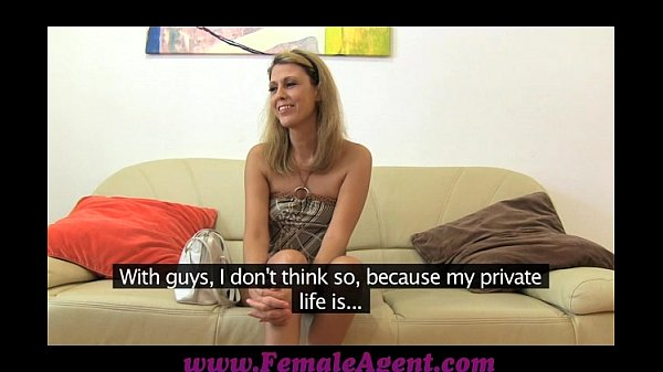 FemaleAgent Labia lover