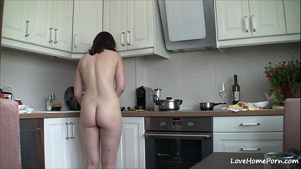 Порно домашная кухне