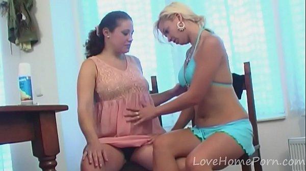 Порно фильмы с беременными лезбиянкоми