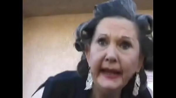 Как отсасывают старушки, торчащий клитор в порно