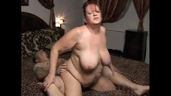 Chubby mature woman enjoys hardcore fuck