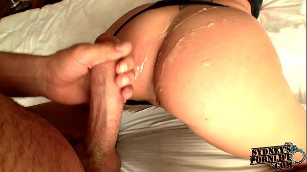 Порно сынок любит маму с большой попой