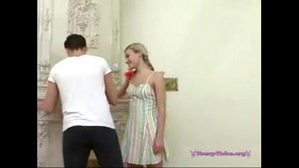 видео парень трахнул русскую смуглую девушку
