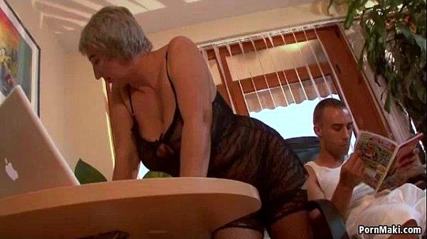 Порно грудастых молодух
