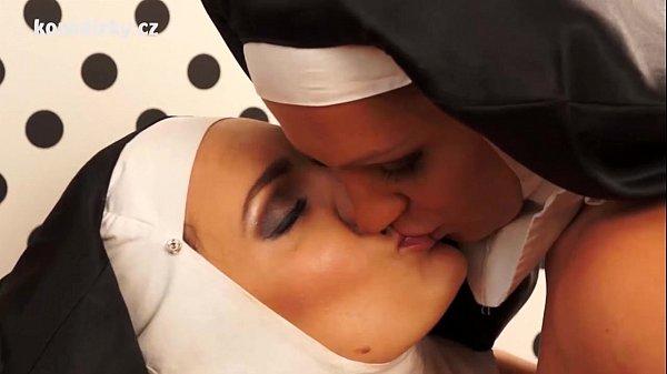 Зрелые монашки лесбиянки