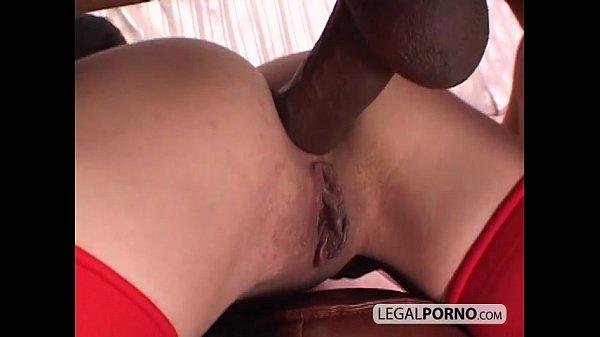 Порно круглая попка блондинки