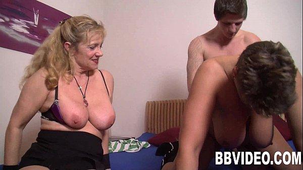 Смотреть порно онлайн у русской мамочки большие жопы