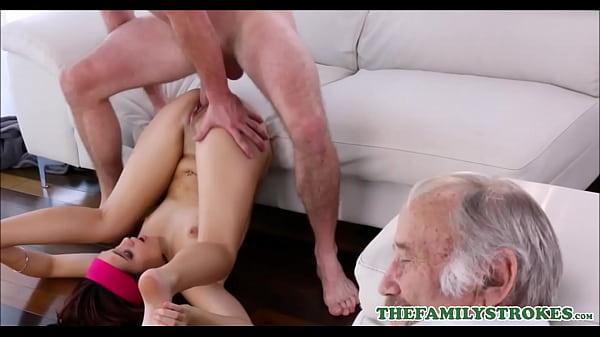 Посмотреть секс с дедом