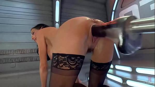 Шпильки и чулки секретарши порно