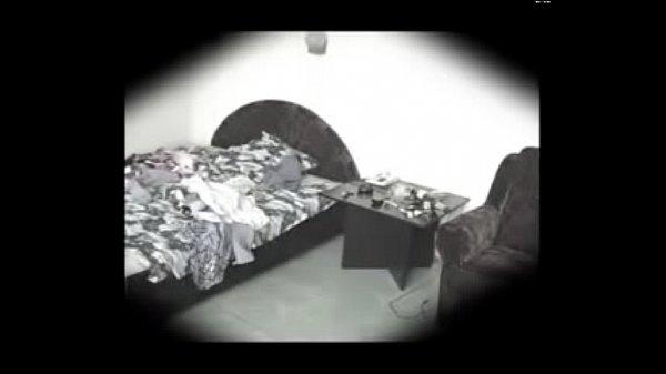 Китайское домашнее порно супружеской пары снимает в спальне скрытая камера