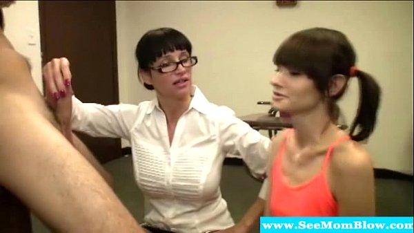 Порно видео мужик жестко трахает стоя