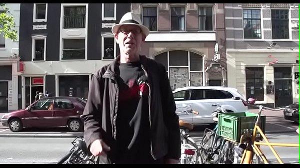 Порно геи сосет два члена