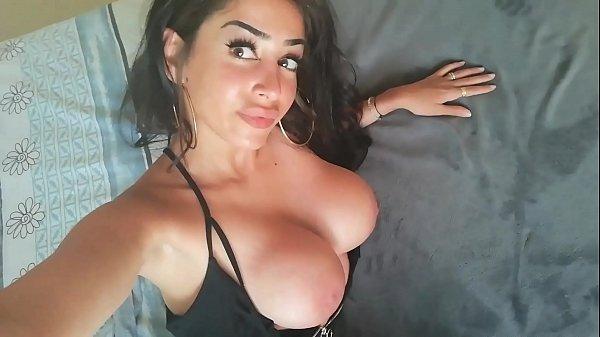 Neyla Kimy beurette HUILÉ sexy se DOIGTE,salle de bain GODE et SE FAIT SODOMISEE