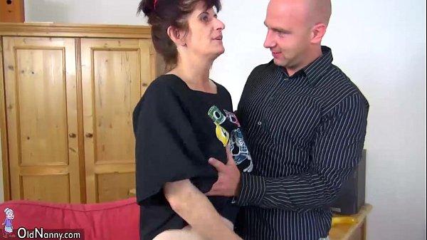 Порно брат домогался до сестры на русском