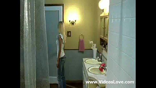Порно видео брызги спермы на лицо блондинок