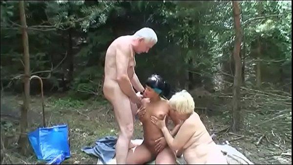 Парень два раза кончил порно видео