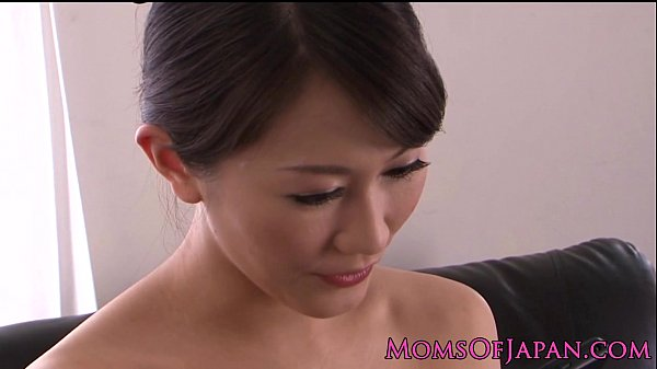 Petite Japanese milf rubs her sweet clit
