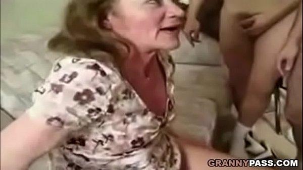 Групповуха с пожилыми женщинами