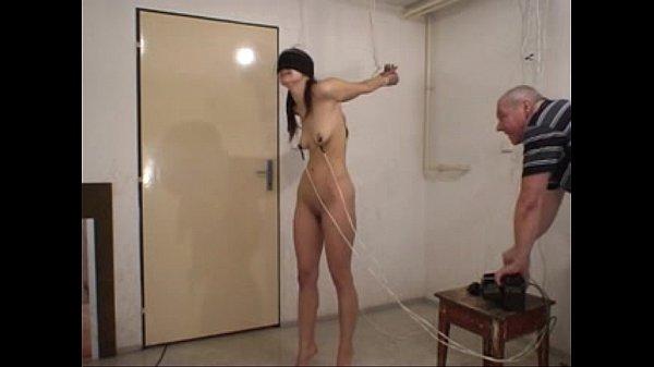 Пытки азиаток электричеством