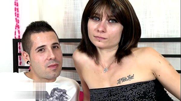 Порно публичное с красивой телеведущей