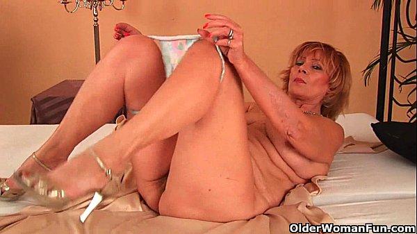 Женщина с небритой пиздой
