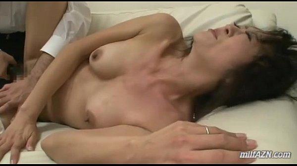 Жена сцыт мужу в рот