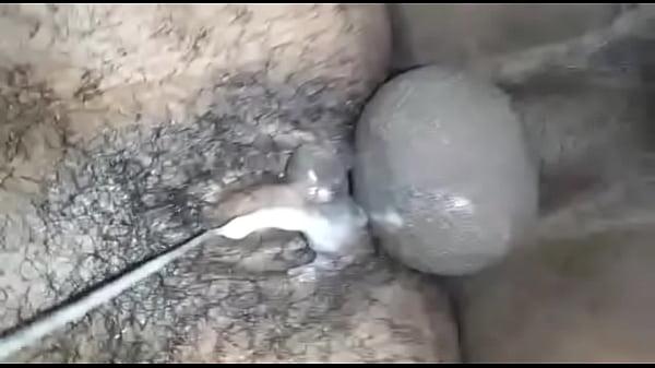 Пацану кончают в жопу