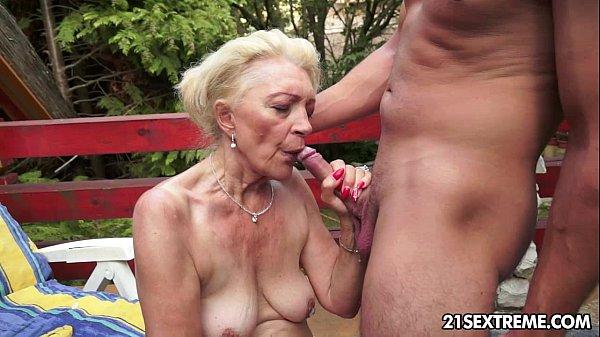 Free amateur bondage pictures