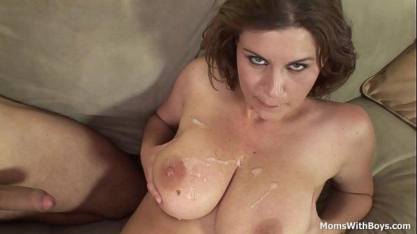 Голые мамаши с большой грудью