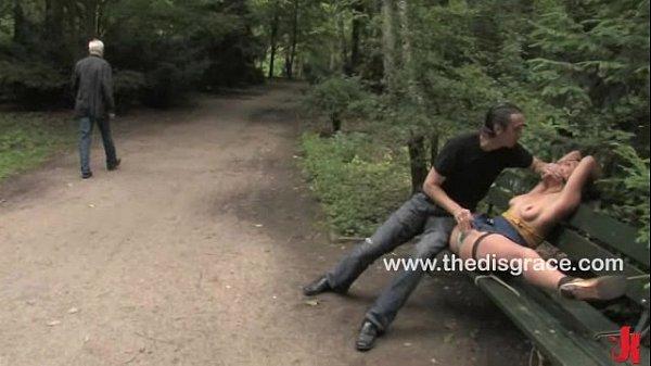 Порно видео девушка садиться на огромный член