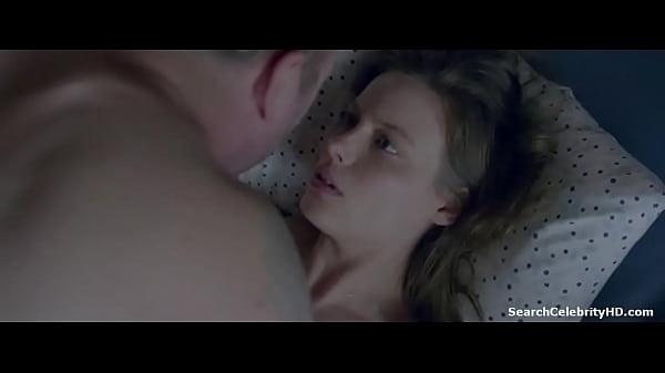 Разбудил Риту и трахнул ее в попку