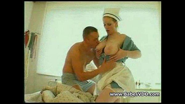 Медсестричка блонди с класной попой
