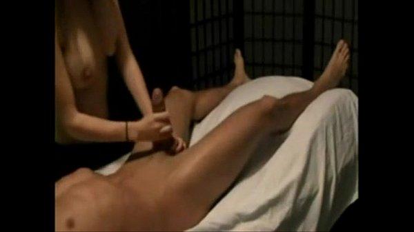 Индианка мастурбирует видео