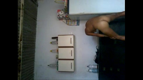 novinha-da-favela-dançando-funk-pelada-2