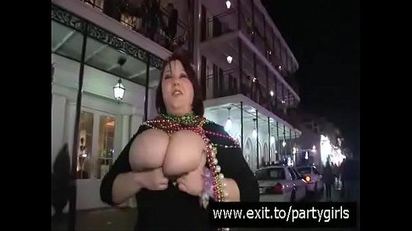 Видео раскошная мамаша в черных чулках