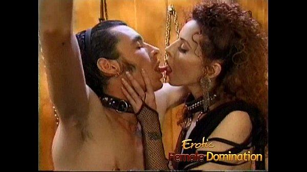 Порно муж трахает жену вместе с резиновой куклой